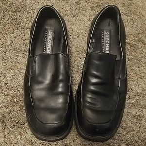 Mens skechers dress shoes. Size 9. Black.